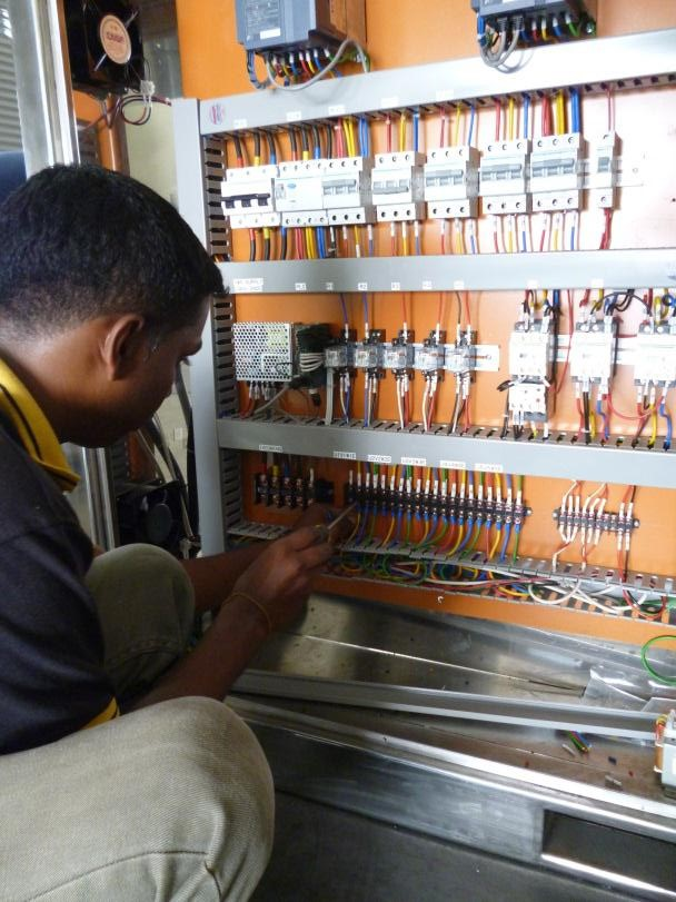 ourServices_electrical_department_01